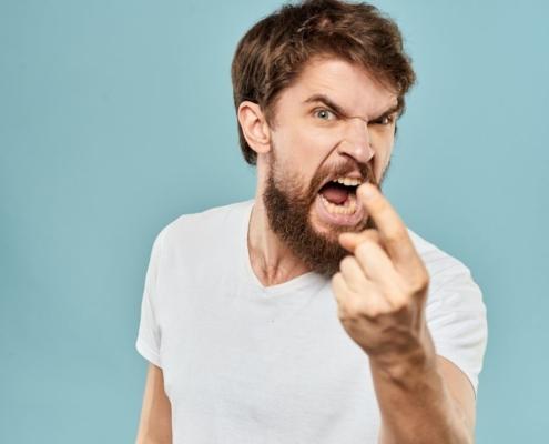 Was Wort-Gewalt anrichten kann erzählt Nikui Text und Rat